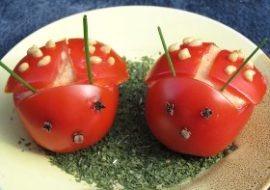 Pomidorowe biedronki z makrelą