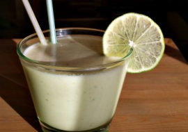 Orzeźwiający koktajl z avocado i limonką
